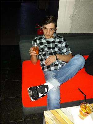 Curve in Bucuresti: Mariano ESCORT versatil 29 ani